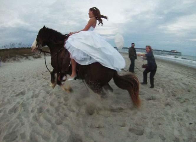 Η φωτογράφηση γάμου με άλογο δεν είναι πάντα καλή ιδέα (5)