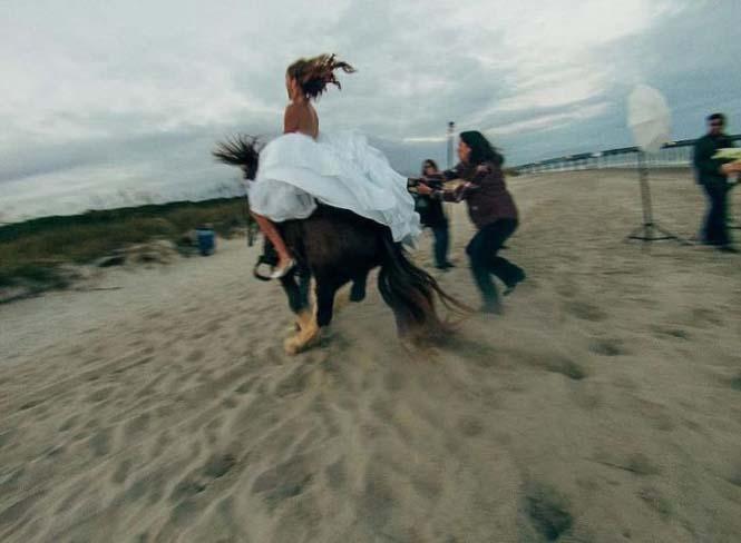 Η φωτογράφηση γάμου με άλογο δεν είναι πάντα καλή ιδέα (6)
