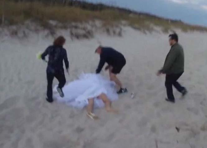 Η φωτογράφηση γάμου με άλογο δεν είναι πάντα καλή ιδέα (9)