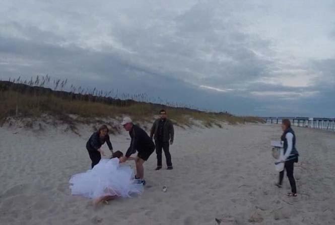 Η φωτογράφηση γάμου με άλογο δεν είναι πάντα καλή ιδέα (10)