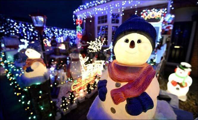 Ίσως η πιο χριστουγεννιάτικη γειτονιά στον κόσμο (14)