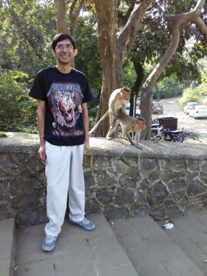 Μαϊμούδες έκαναν την φωτογραφία ενός νεαρού πραγματικά αξέχαστη (4)