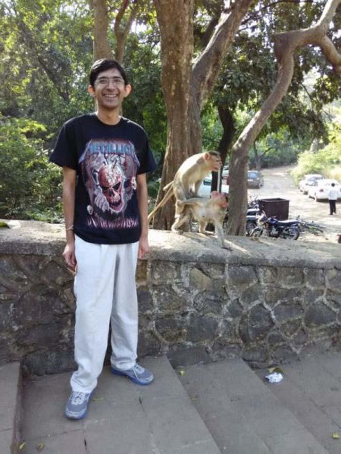 Μαϊμούδες έκαναν την φωτογραφία ενός νεαρού πραγματικά αξέχαστη (5)