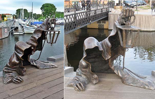 Παράξενα γλυπτά & αγάλματα (9)