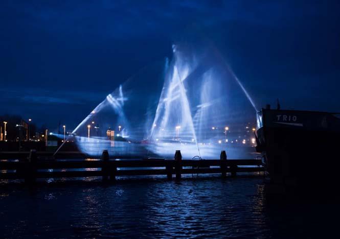 Πλοίο φάντασμα σε κανάλι του Άμστερνταμ (5)