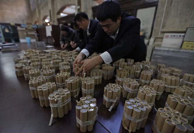 Τραπεζική κατάθεση χρημάτων... βάρους 300 κιλών! (7)
