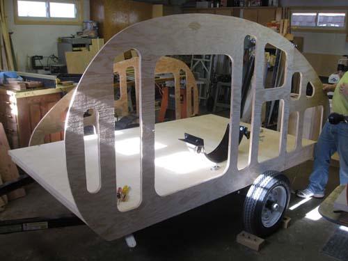 Βήμα βήμα η κατασκευή ενός εντυπωσιακού μικρού τροχόσπιτου (7)