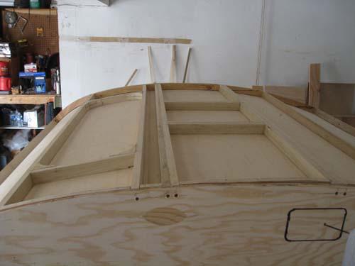 Βήμα βήμα η κατασκευή ενός εντυπωσιακού μικρού τροχόσπιτου (19)