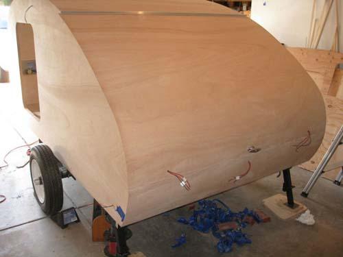 Βήμα βήμα η κατασκευή ενός εντυπωσιακού μικρού τροχόσπιτου (31)