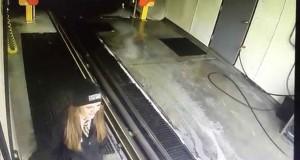 94χρονος οδηγός έκανε έφοδο σε πλυντήριο αυτοκινήτων (Video)