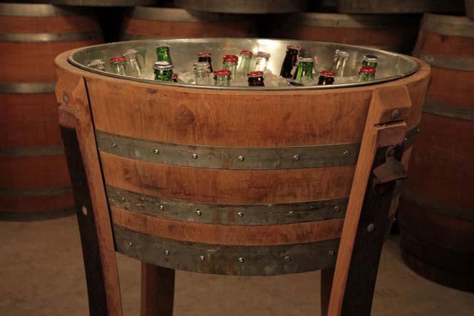 Αυτός ο άνδρας φτιάχνει απίστευτα πράγματα χρησιμοποιώντας βαρέλια κρασιού (8)