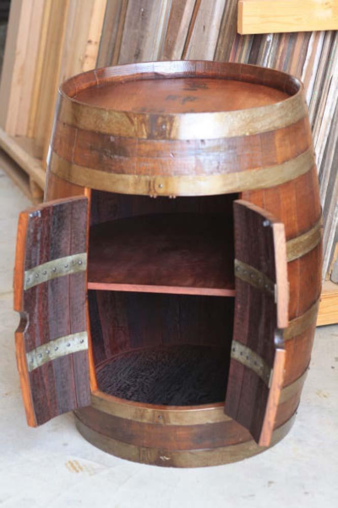Αυτός ο άνδρας φτιάχνει απίστευτα πράγματα χρησιμοποιώντας βαρέλια κρασιού (12)