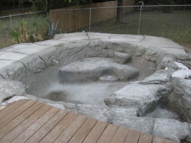 Άνδρας μετέτρεψε την θλίψη του σε μια τροπική πισίνα (30)