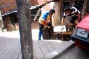 Ο απίθανος τρόπος που κάνουν delivery μπύρας στην Κολομβία