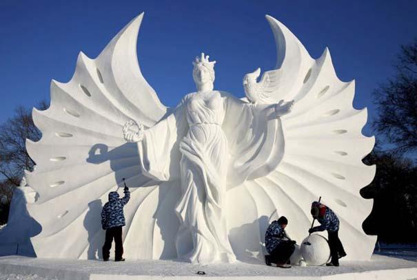 Εκπληκτικές δημιουργίες στο φεστιβάλ πάγου της Κίνας (7)