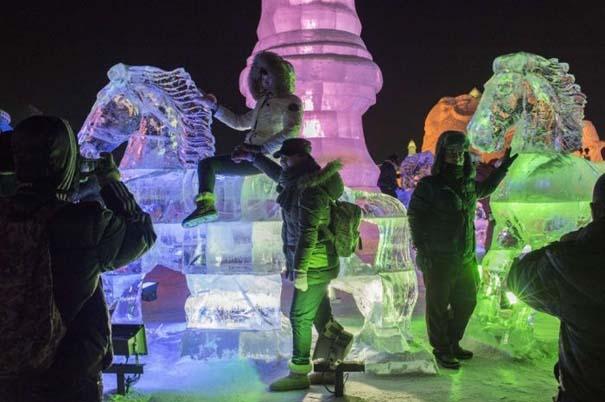 Εκπληκτικές δημιουργίες στο φεστιβάλ πάγου της Κίνας (10)