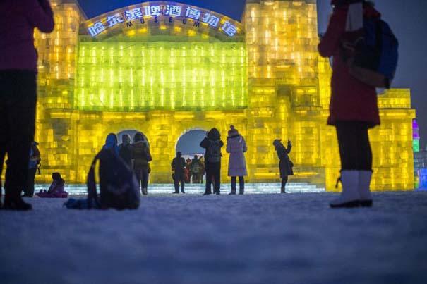 Εκπληκτικές δημιουργίες στο φεστιβάλ πάγου της Κίνας (15)