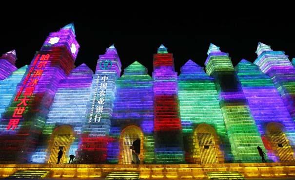Εκπληκτικές δημιουργίες στο φεστιβάλ πάγου της Κίνας (19)