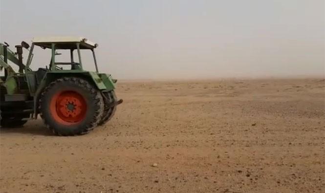 Εν τω μεταξύ, στην έρημο της Σαουδικής Αραβίας...