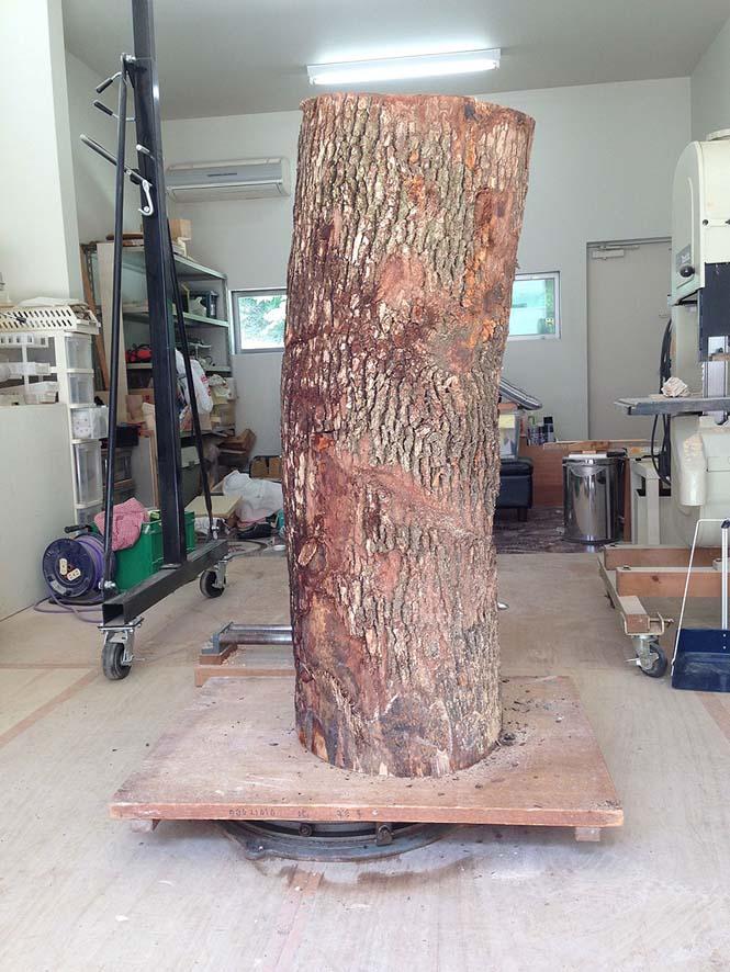 Ιάπωνας γλύπτης δείχνει πως μετατρέπει το ξύλο σε σουρεαλιστικά αγάλματα (2)