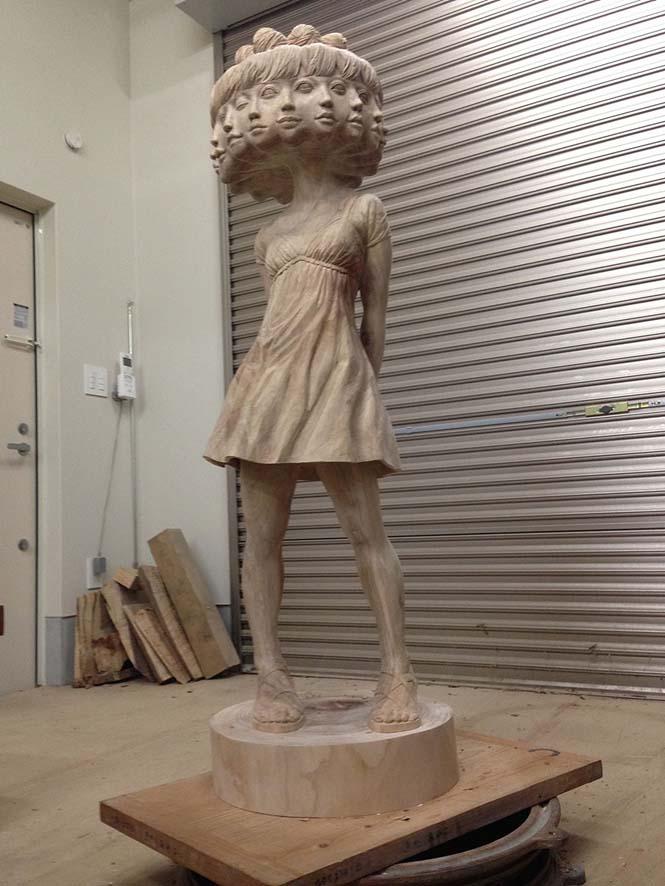 Ιάπωνας γλύπτης δείχνει πως μετατρέπει το ξύλο σε σουρεαλιστικά αγάλματα (9)