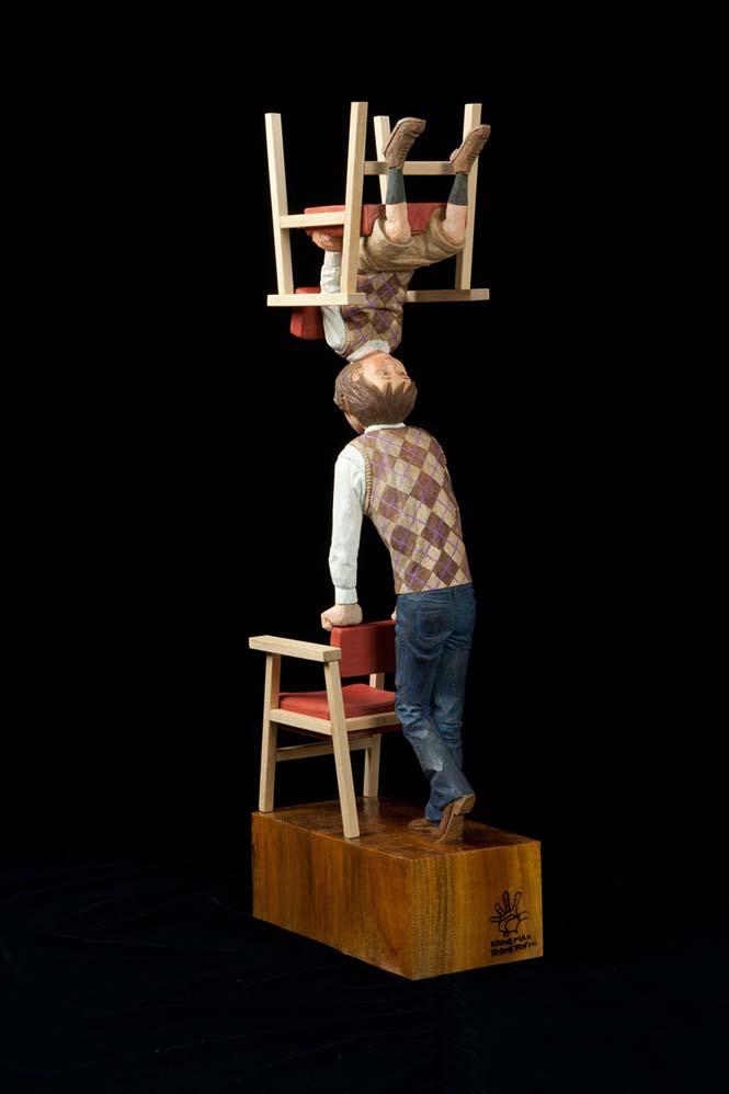 Ιάπωνας γλύπτης δείχνει πως μετατρέπει το ξύλο σε σουρεαλιστικά αγάλματα (14)