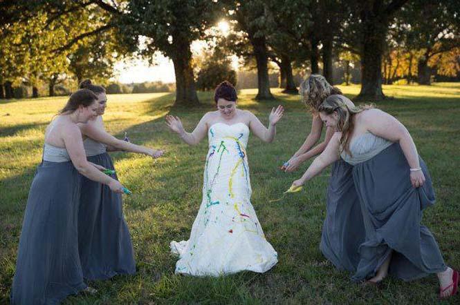 Όταν ο γαμπρός την παράτησε στα σκαλιά της εκκλησίας, αυτή η νύφη αποφάσισε να το διασκεδάσει (2)