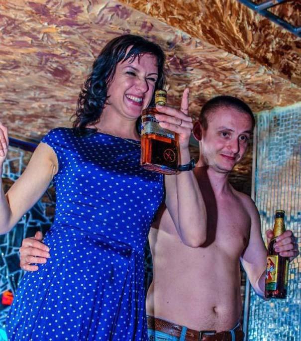 Περίεργα και αστεία σκηνικά σε clubs της Ρωσίας (3)