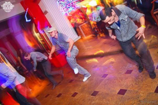 Περίεργα και αστεία σκηνικά σε clubs της Ρωσίας (9)