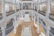 Εντυπωσιακό βιβλιοπωλείο άνοιξε τις πύλες του στη Ρουμανία (10)