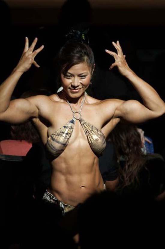 Μπορείτε να μαντέψετε την ηλικία αυτής της Γιαπωνέζας Bodybuilder; (8)