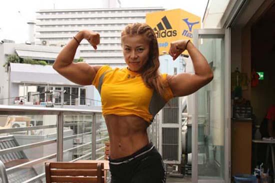 Μπορείτε να μαντέψετε την ηλικία αυτής της Γιαπωνέζας Bodybuilder; (5)