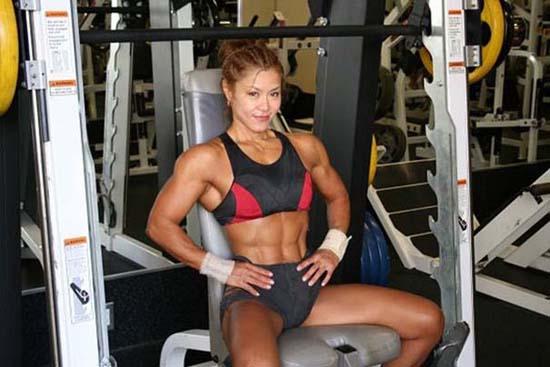 Μπορείτε να μαντέψετε την ηλικία αυτής της Γιαπωνέζας Bodybuilder; (12)