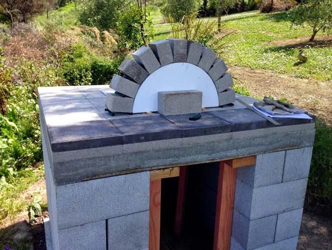 Κατασκευή ενός αυτοσχέδιου ξυλόφουρνου (9)