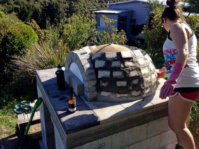 Κατασκευή ενός αυτοσχέδιου ξυλόφουρνου (11)