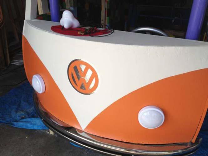Η κατασκευή ενός κρεβατιού που μοιάζει με φορτηγάκι Volkswagen (18)