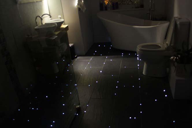 Μετέτρεψε το δάπεδο του μπάνιου του σε έναστρο ουρανό (1)