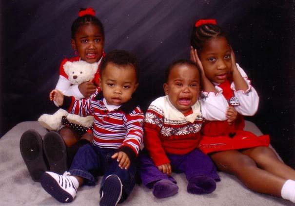 Παιδιά που έκλεψαν την παράσταση σε οικογενειακές φωτογραφίες (8)