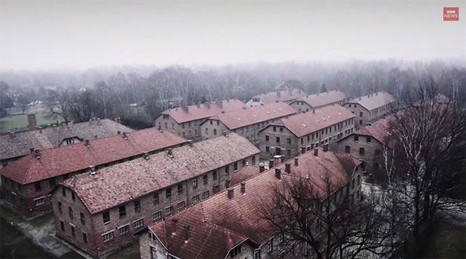 Περιήγηση στο Άουσβιτς με drone