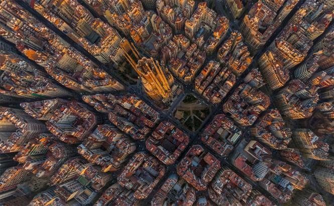 Η Sagrada Familia της Βαρκελώνης από ψηλά | Φωτογραφία της ημέρας