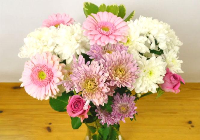Πως να διαμορφώσετε ένα μπουκέτο λουλουδιών σε βάζο