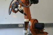 Ρομπότ σερβίρει την τέλεια μπύρα