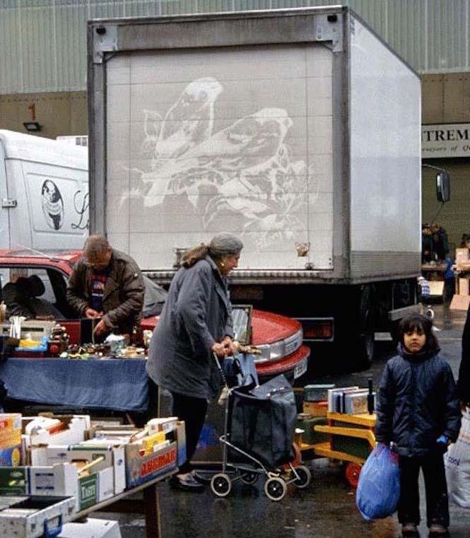 Τέχνη πάνω σε σκονισμένα φορτηγά (6)