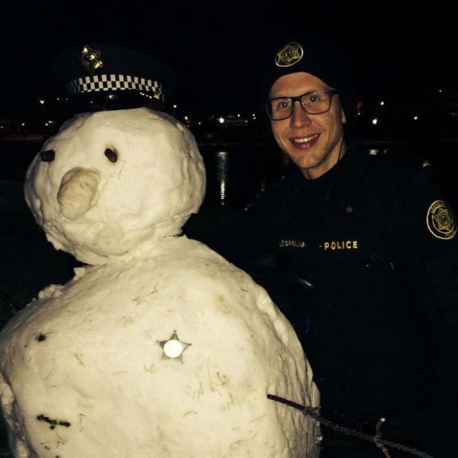 Η «παραμυθένια» ζωή των αστυνομικών στην Ισλανδία (6)