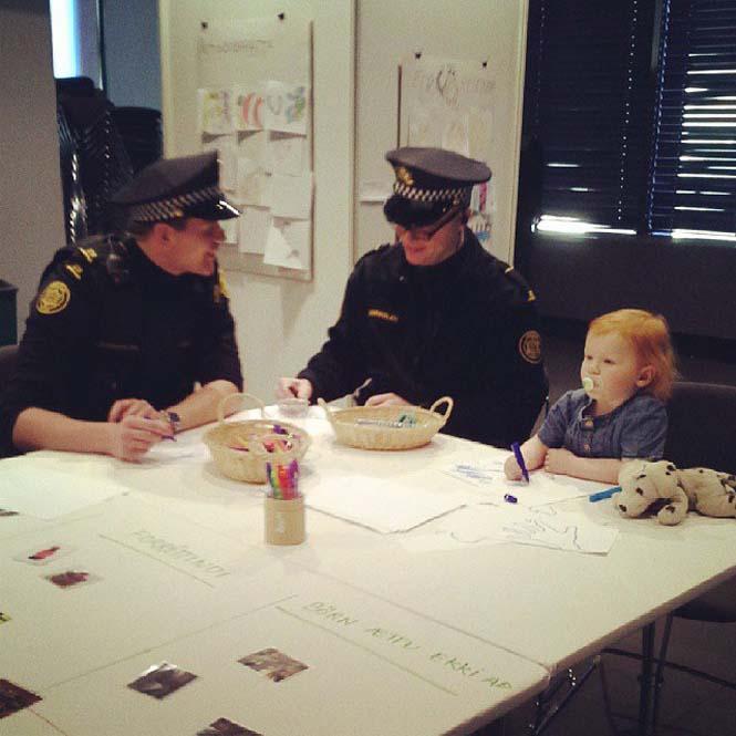 Η «παραμυθένια» ζωή των αστυνομικών στην Ισλανδία (7)