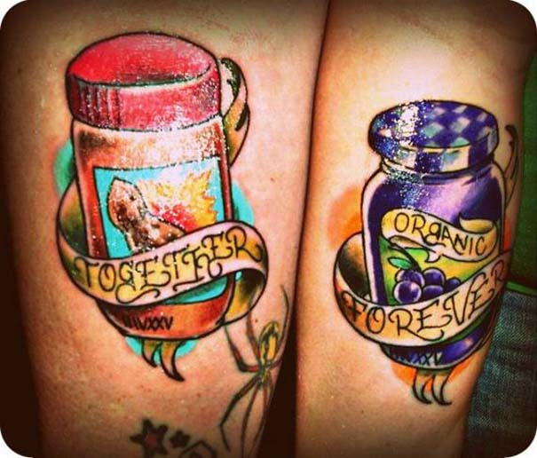33 ζευγάρια που ενώθηκαν με ένα πρωτότυπο ή παράξενο τατουάζ (1)