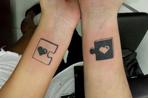 33 ζευγάρια που ενώθηκαν με ένα πρωτότυπο ή παράξενο τατουάζ (6)
