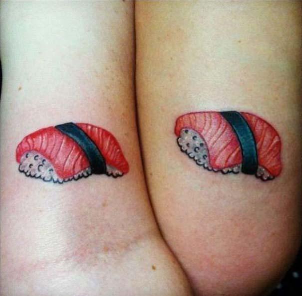 33 ζευγάρια που ενώθηκαν με ένα πρωτότυπο ή παράξενο τατουάζ (12)