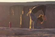 Acro Yoga σε γκρεμό ύψους 180 μέτρων