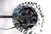 CD εκρήγνυται σε αργή κίνηση